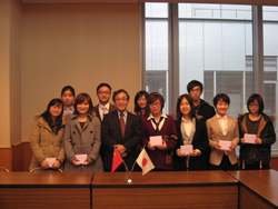 Students from Shanghai on a 3-week exchange to Osaka City University image No.1