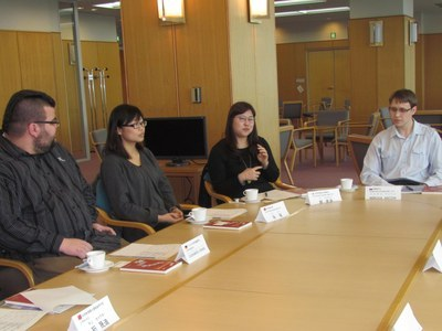 round-table 5 February 2013-2