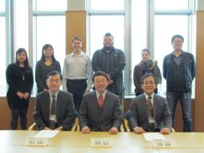 Round-table discussion President Nishizawa and international students