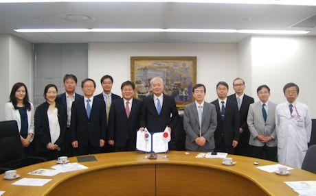 Seoul National University signing ceremony photo 7