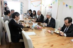 """Tasting food at """"Minna Shokudo"""""""
