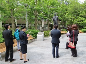 The party of HMU visited Sugimoto Campus.