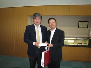 Consul General of Mongolia visits OCU President Nishizawa