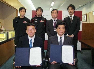 大阪エヴェッサと本法人が包括連携協定を締