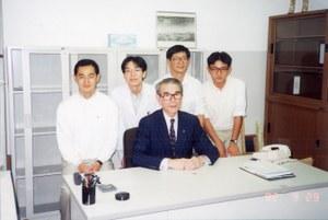 山研先生と共に(枠カット).jpg
