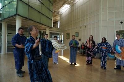 米国ユタ州ウィーバー州立大学 盆踊り