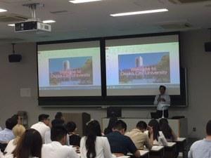 留学生会会長によるプレゼンテーション