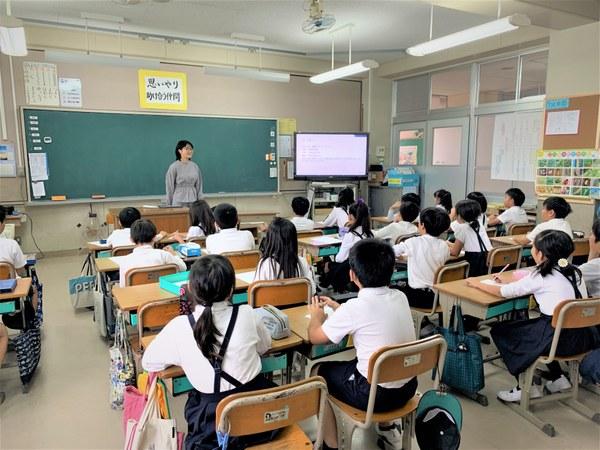 譚さん授業風景①