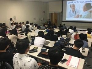 医学研究科での特別講義の様子