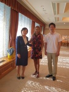 出発前には、サミット主催者のシカゴ市  ワールド・ビジネス・シカゴCEOが  吉村大阪市長を表敬訪問しました