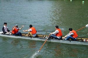 中国人留学生学友会ボート際写真2